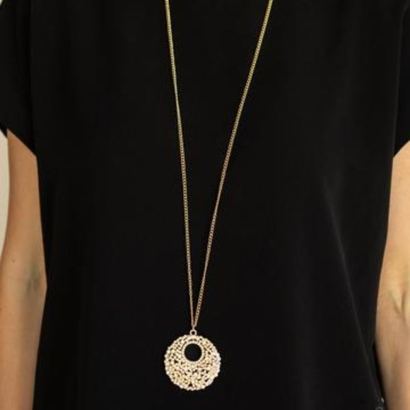 3/$20 Paparazzi Pearl Panache Gold Pendant Necklace and Earring Set